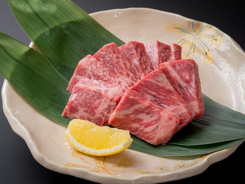 【霜降り上州牛ステーキ150g付き!】『温石焼』で溢れだす肉汁とトロける上州牛の旨みを食べ尽くす! 四万温泉・豊島屋