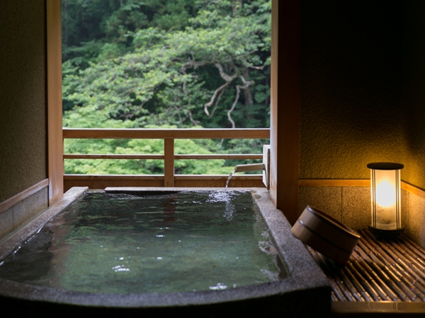 ≪特別客室≫絶景露天風呂×和洋スイートで過ごす一夜。自然に溶け込み、檜の香りに包まれて…【オリジナル里山懐石】